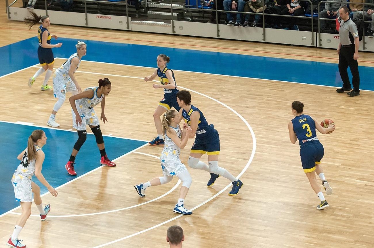 f72756fda Šláger na záver základnej časti priniesol ďalšie víťazstvo Good Angels -  Ženská basketbalová extraliga SR